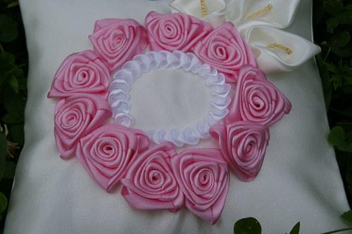 Svatební polštářek na snubní prstýnky-růžičkový