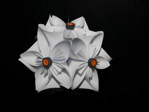 Květinová kusudama