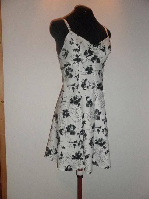 Šaty bílé letní 713 - vel. 40
