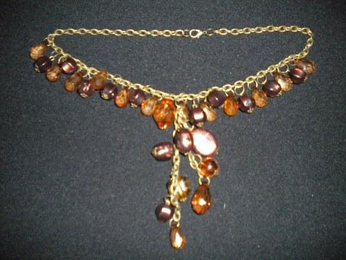 náhrdelník skleněnky - hra s hnědou
