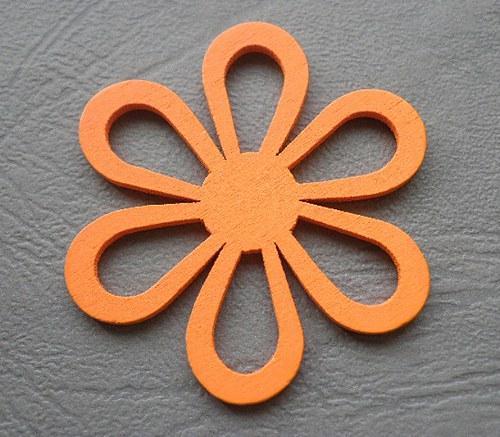 Dřevěná květina oranžová, 4,5 cm - 1ks