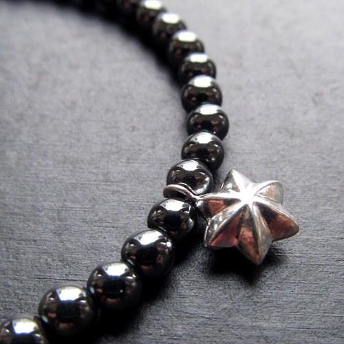 Náramek hematit a stříbrná hvězda