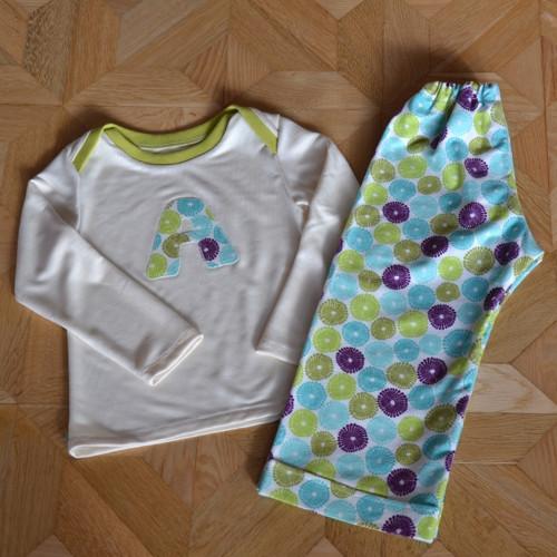 Střih a fotonávod na ušití dětského pyžama