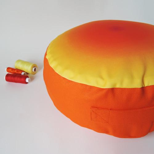 Oranžový valér - meditační polštářek