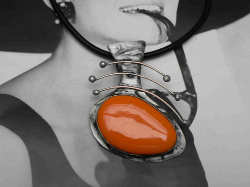 Náhrdelník, Orange