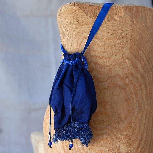 kabelka modro modrá