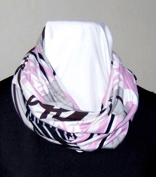 Nekonečná šála s abstraktním vzorem růžovo hnědým