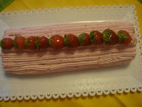 Piškotová roláda s jahodami
