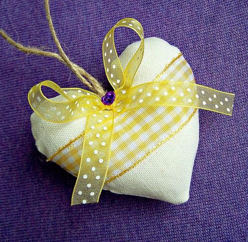Žluté srdíčko - baculaté :-)