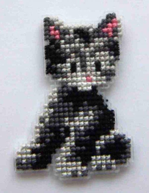 Vyšívaná magnetka - šedivá kočička