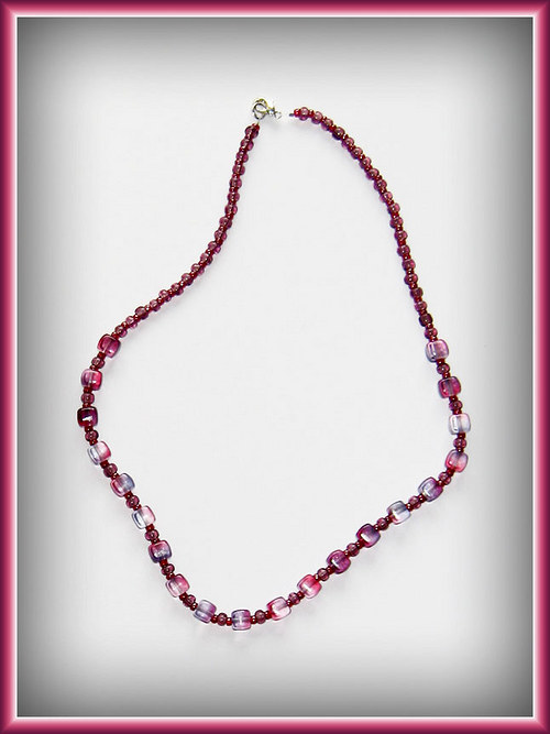 Růžovofialové kostičky