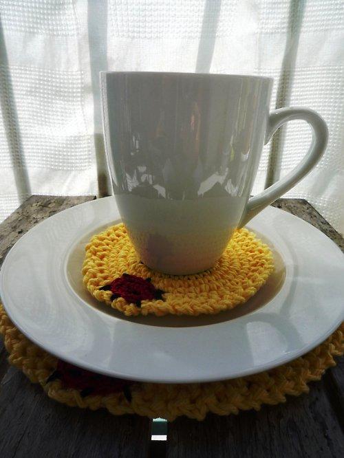 Snídaňová sada - Žluté květiny s beruškou
