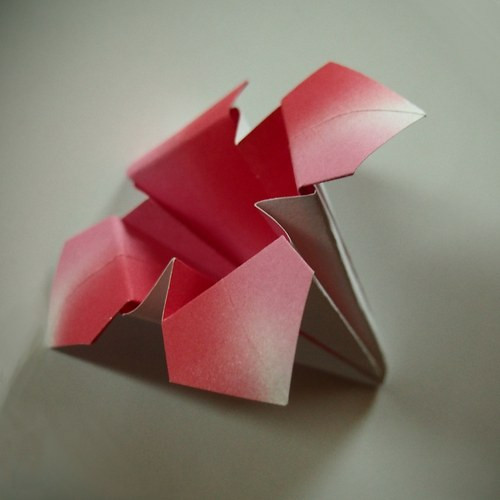 Origami lilie