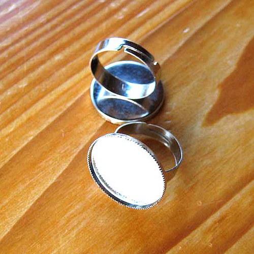 Prsten s Lůžkem 21mm - Platinový