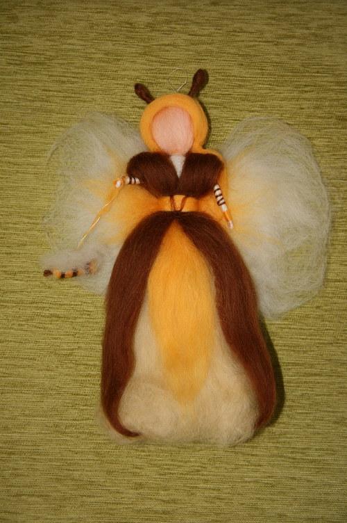 Královna včel - cca 30 cm
