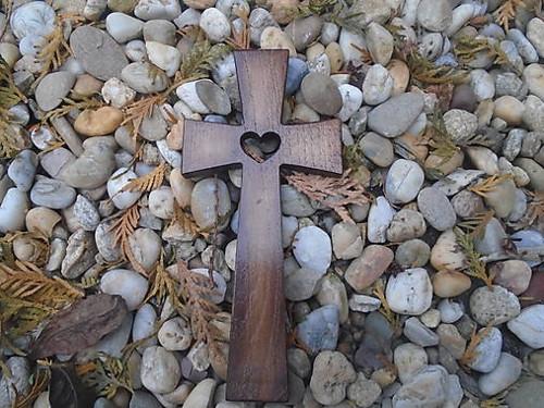 krížik so srdiečkom 2