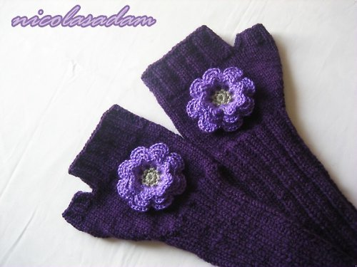 Bezprsťáky dlouhé - fialové s kytičkou