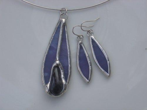 Fialová souprava s fialovým kamenem