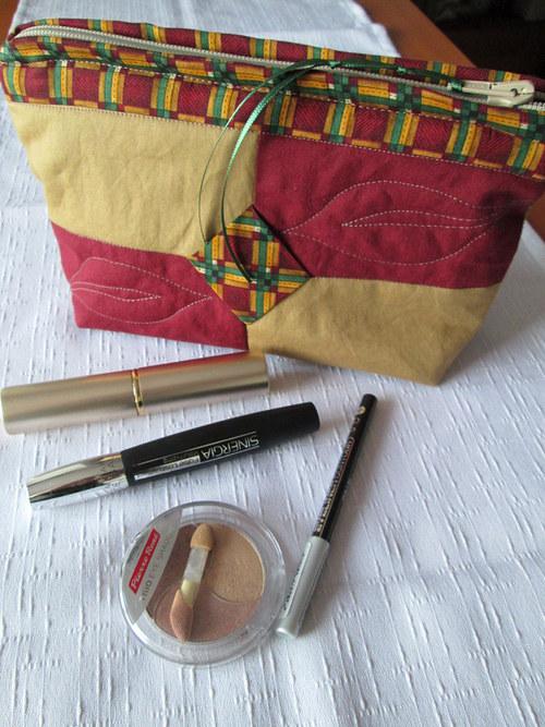 Patchworková kosmetická taštička