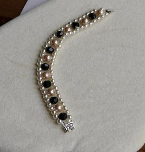 perlový  náramek