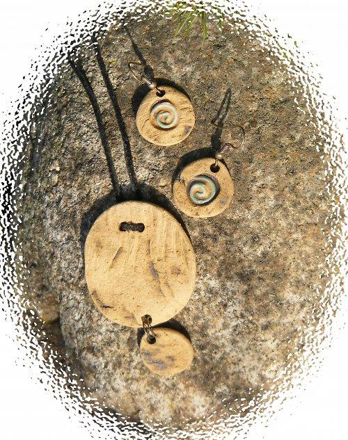 Dřevo, kámen, dřevo