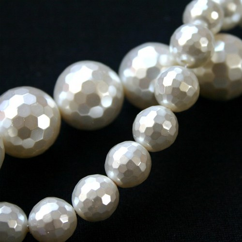 facetovaná kulička perleť 16mm