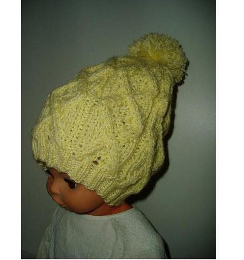 dětská čepice s bambulí-žlutá