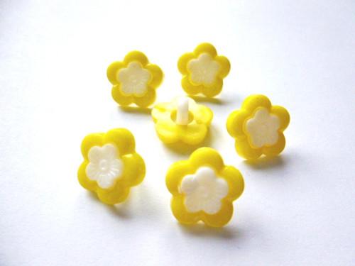 Knoflíčky dvojité kytičky žluté 5ks