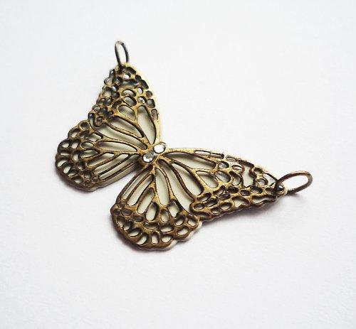 Vintage starozlatý přívěšek motýl