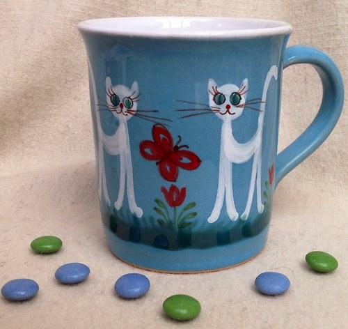 Čajíček s bílou kočičkou