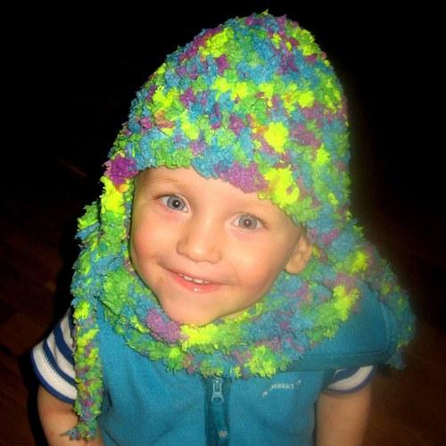 měkoučká neonová ušanka a nákrčník 1 - 2 roky