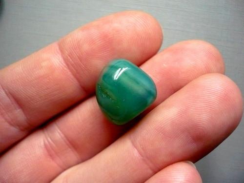 Troml. kámen – achát zelený 17 mm, č.28