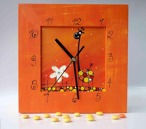 hodiny s velkou kukačkou - oranžové s žirafou