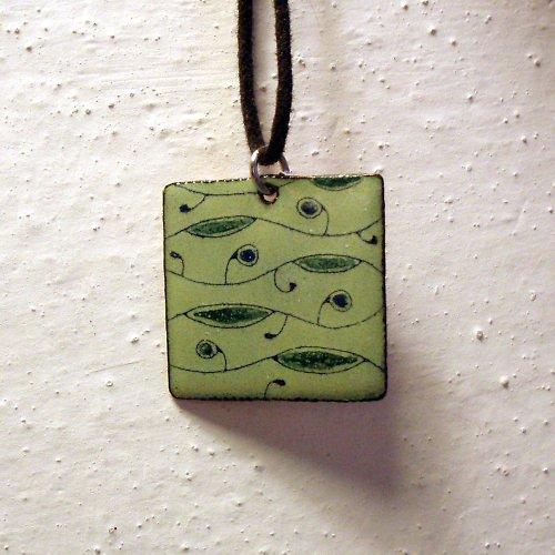 Smaltovaná přívěšek zelený