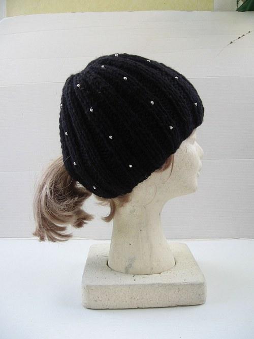Čepice - dámská..dívčí  pro dlouhé vlasy. Antracit
