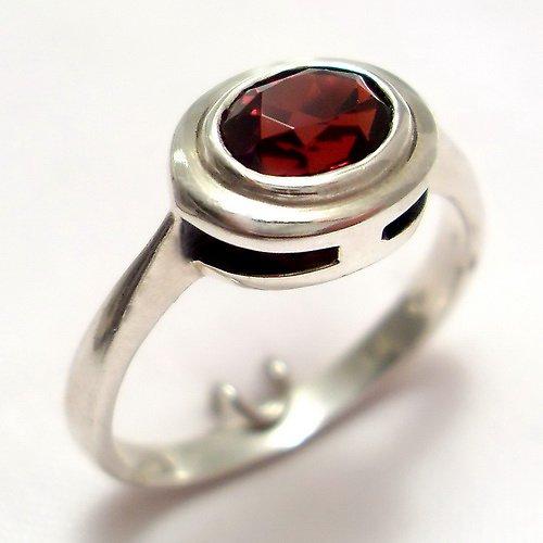 Prsten «Odraz» - stříbro 925, přírodní granát