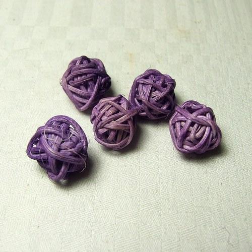Kouličky fialové prům. 1,5 cm, 5 ks
