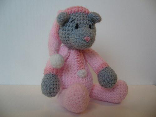Medvědí slečna v pyžámku