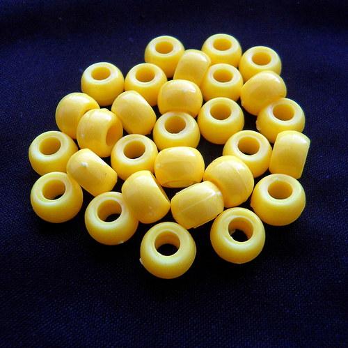 Plastové korálky žluté 20 ks