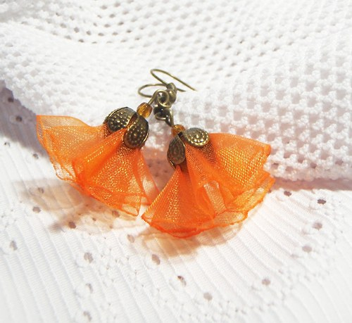 Oranžové organzové