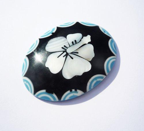 Přívěšek s perleťovou orchideí