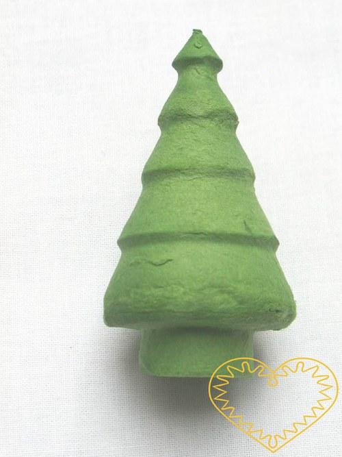 větší zelený stromek: buničitá vata