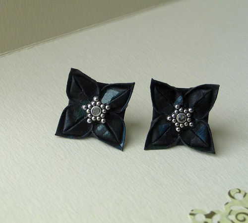 Černá dáma - origami náušnice