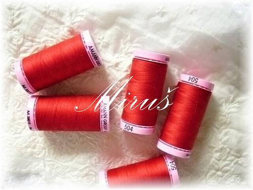Nit polyesterová č.7-červená