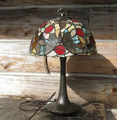vitrážová lampa tiffany