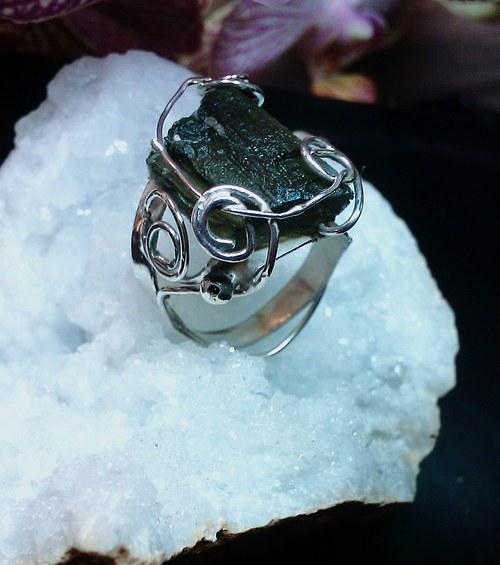 Prsten ze stříbra s Vltavínem - Větroník