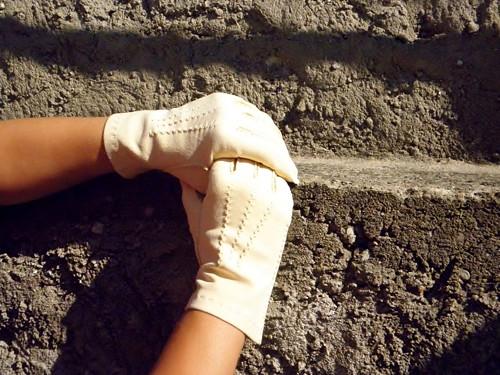 Kožené dámské rukavice z jelenice, ručně šité