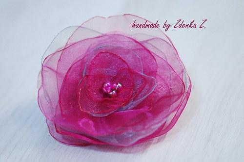 Růžovo - šedá brož