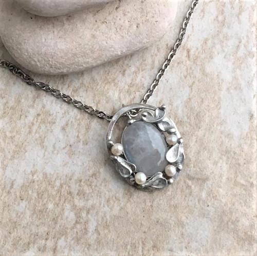Audry MOON STONE náhrdelník