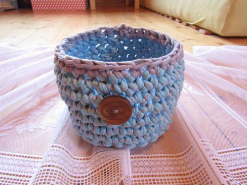 modrošedý košík ze špagátů + mýdlíčko zdarma